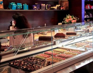 Store & Café