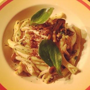 Handmade pasta with truffel