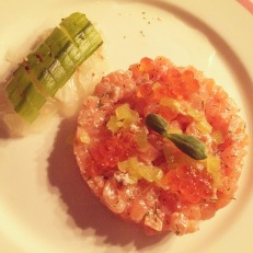 Salmon tartare with caviar